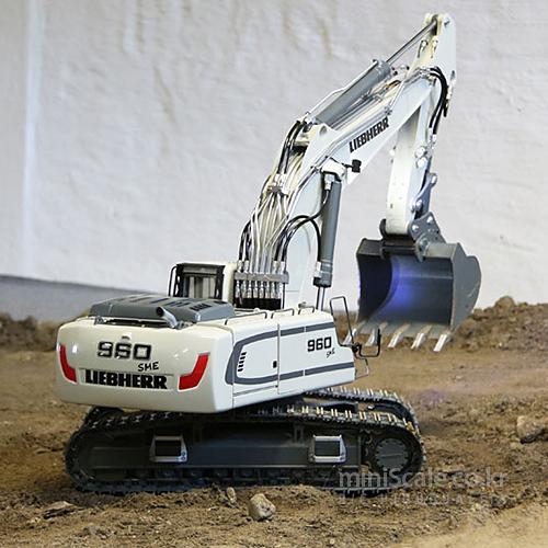 Liebherr R960 SME Basic Kit / 프레마콘(PREMACON)